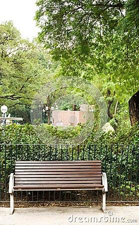 长凳褐色没人公园