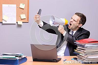 恼怒的生意人办公室