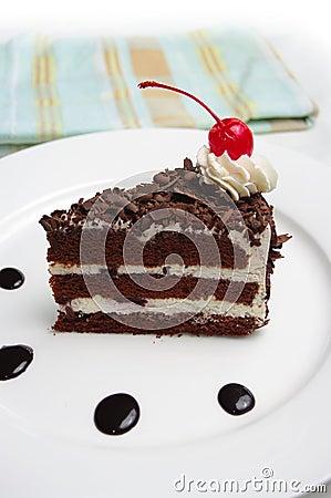 黑色蛋糕森林