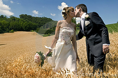 замужество поцелуя