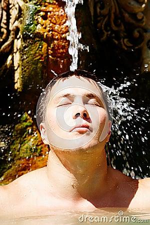 ύδωρ ευχαρίστησης