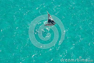 вода Мозамбика шлюпки Африки южная