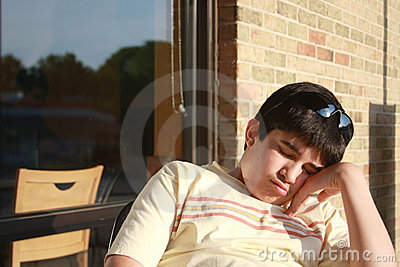 уснувшее предназначенное для подростков