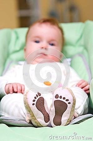 ноги младенца