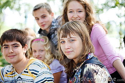 подросток толпы
