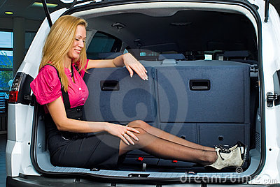 женщина багажа отсека