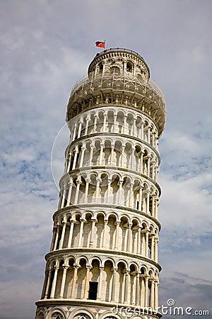 κλίνοντας πύργος