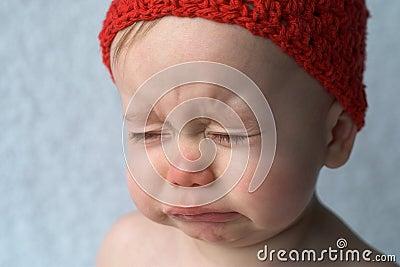 плакать младенца