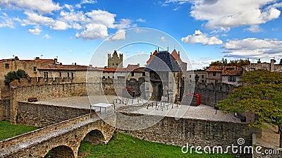 卡尔卡松入口筑堡垒于的城镇