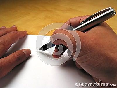 χέρια αρχής που γράφουν