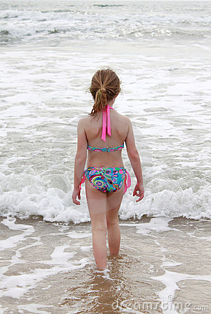 女孩海洋走