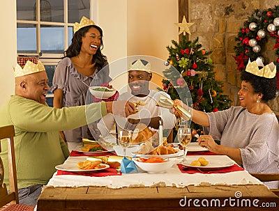 美国圣诞节吃什么_来看看歪果仁年夜饭都吃什么食品食物