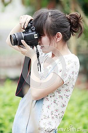 亚洲女孩射击