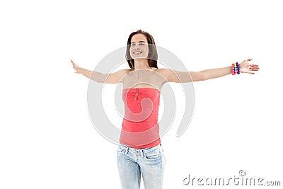 девушка рукояток смеясь над открытая ультрамодная широкой