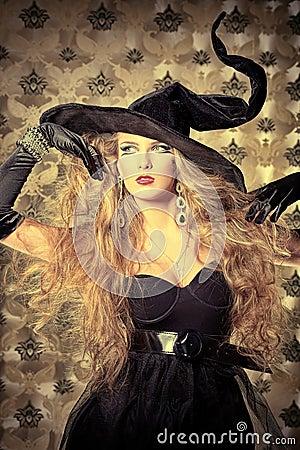 шикарная ведьма
