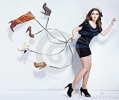 有鞋子的少妇