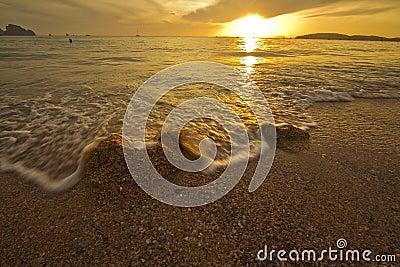 изумительный заход солнца