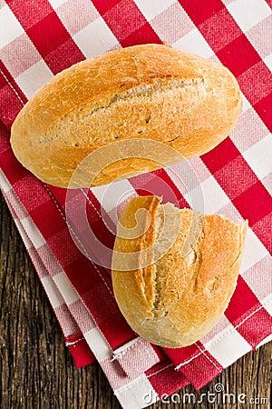 小圆面包方格的餐巾
