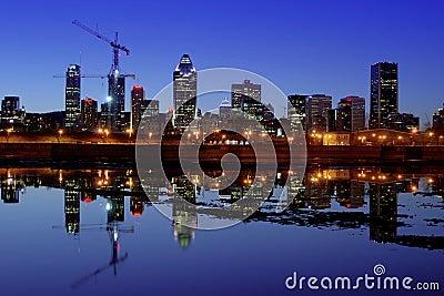 Монреаль на ноче Редакционное Изображение