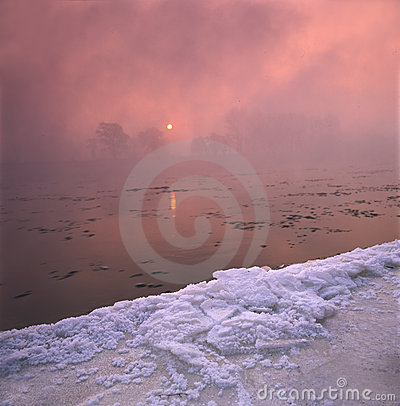 зима реки