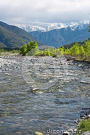 άνοιξη εποχής ποταμών
