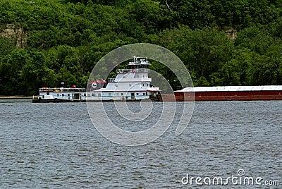 驳船小船谷物猛拉