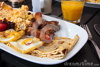 早午餐牌照白色