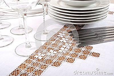 被绣的桌布