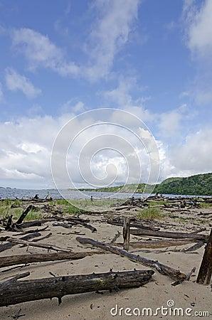 苏必利尔湖畔海岸线