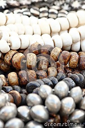 Большие деревянные шарики