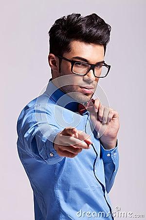 供以人员指向照相机的佩带的蝶形领结
