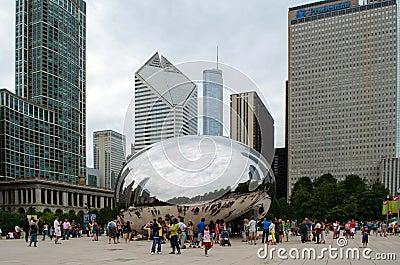 Строб и туристы облака Редакционное Изображение