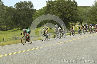 一个组路自行车骑士 编辑类库存照片