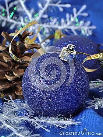 Голубые шарики рождества