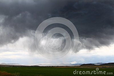 雷暴在农村爱达荷