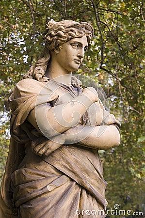 司音乐及抒情诗的女神雕象,伦敦