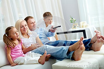 Наблюдая телевидение