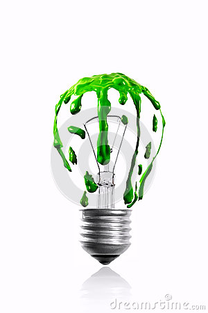 在电灯泡的绿色水滴