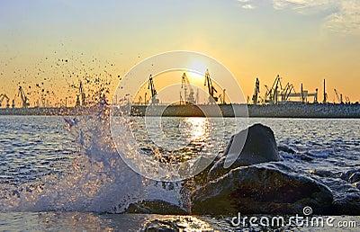 Ηλιοβασίλεμα στο λιμένα