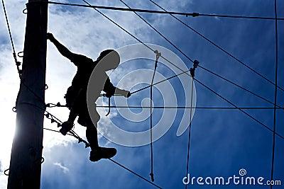 Ορειβάτης σειράς μαθημάτων σχοινιών