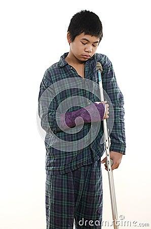 Поврежденный мальчик