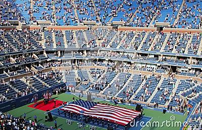 Церемония открытия США раскрывает финальный матч людей на короле Национальн Теннисе Центре Билли Джина Редакционное Фотография