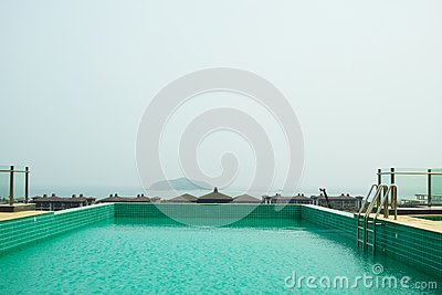 游泳池背景