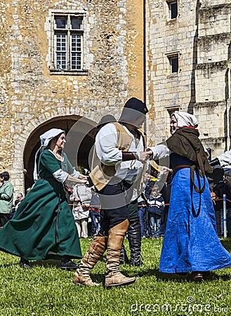 Μεσαιωνικοί χορευτές Εκδοτική Φωτογραφία