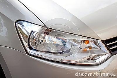 抽象银色汽车和前面车灯