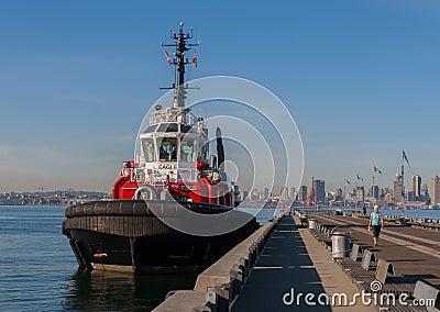 在码头的猛拉小船在温哥华 编辑类库存图片
