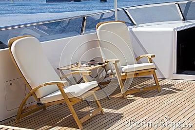 在甲板的太阳
