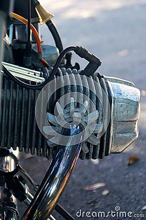 Винтажный цилиндр мотоцикла