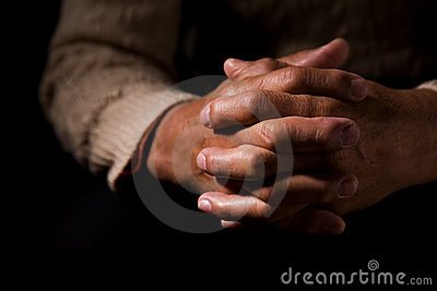 молить