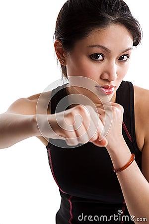 亚裔拳击女孩